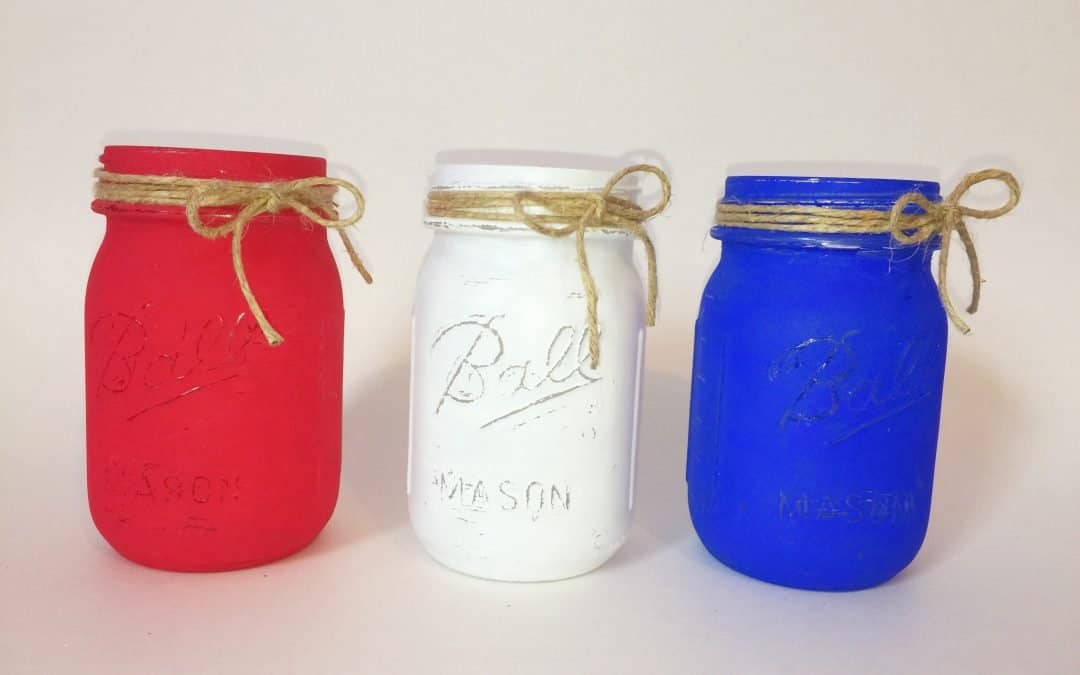 How To Paint Farmhouse Mason Jars For Independence Day Decorations